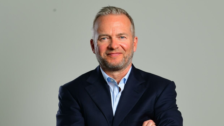 Her ses den danske finansmand, investor og forfatter Lars Tvede. Han har skrevet en lang række bøger, blandt andre 'Supertrends', 'Kriser, Krak og Kaviar' samt 'Børshandlens Psykologi'