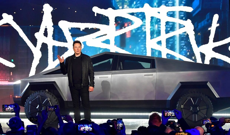 Her ses Teslas grundlægger Elon Musk under præsentationen af elbilen Tesla Cybertruck på Tesla Design Center 21. november 2019
